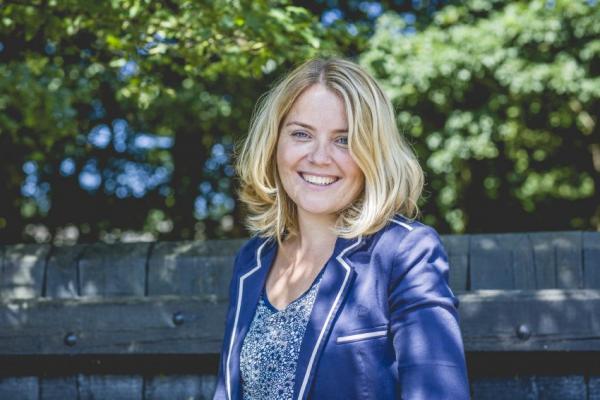 Annelies Brouwer. Annelies is mindmapspecialist en interim intern begeleider. Annelies geeft scholing datamuur en technisch lezen.