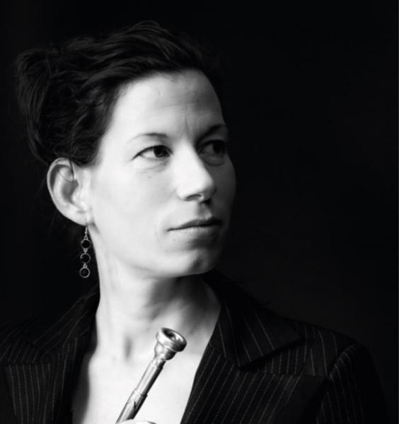 Dieuwke Kloppenburg is vakspecialist muziek.