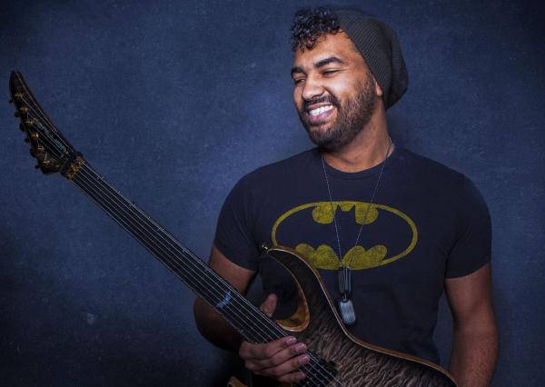 Mendel bij de Leij gaat aan de slag als muzikant en met name als gitarist.
